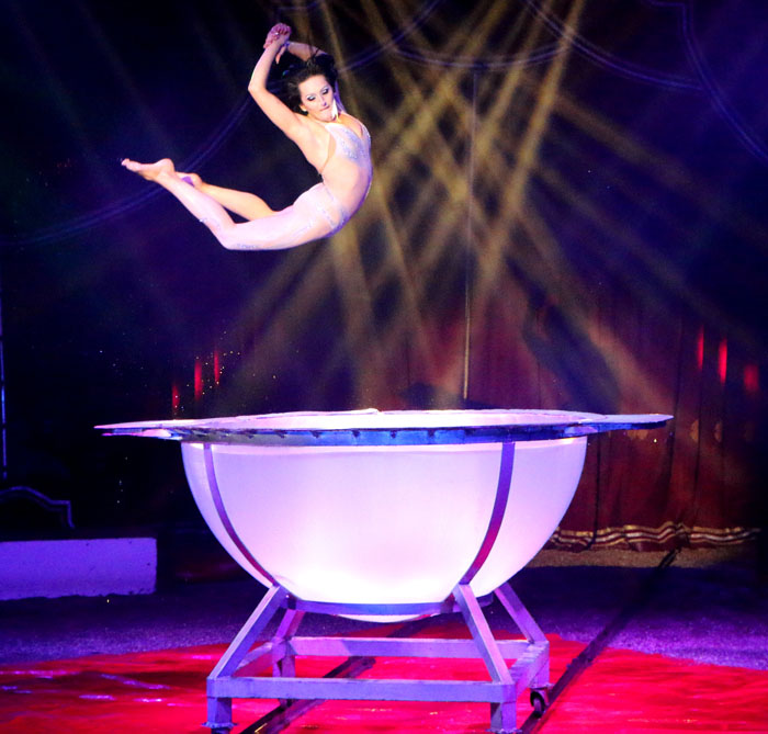 win kaarten voor circus louis knie weekblad degouda